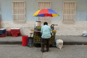 Selling lemons (Photo by Kevin Bluer on Unsplash)